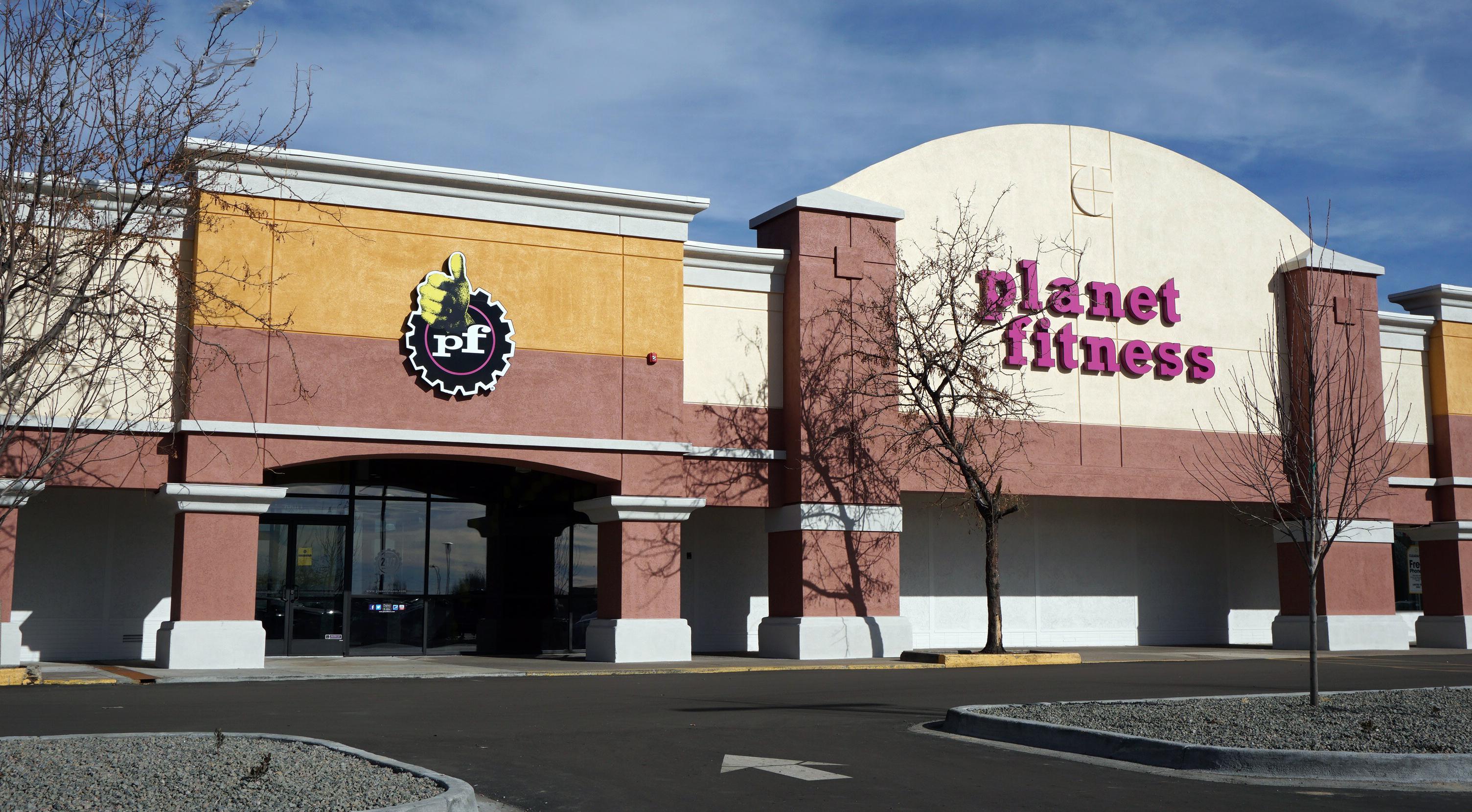 Planet Fitness Preparing To Open In Glendale Businessden