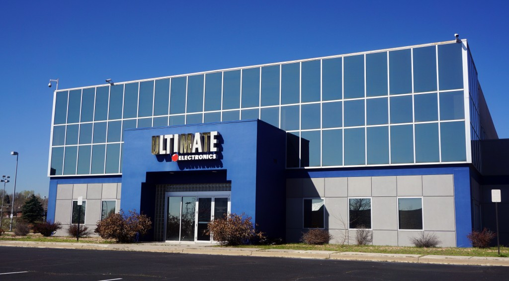 The former Ultimate Electronics store is being converted into a warehouse and store for an appliance retailer.
