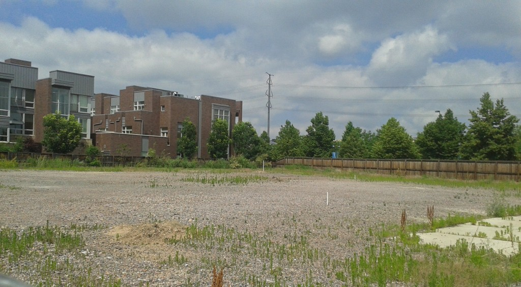 The empty lot at 1800 Little Raven Road recently changed ownership. Photo by Burl Rolett.