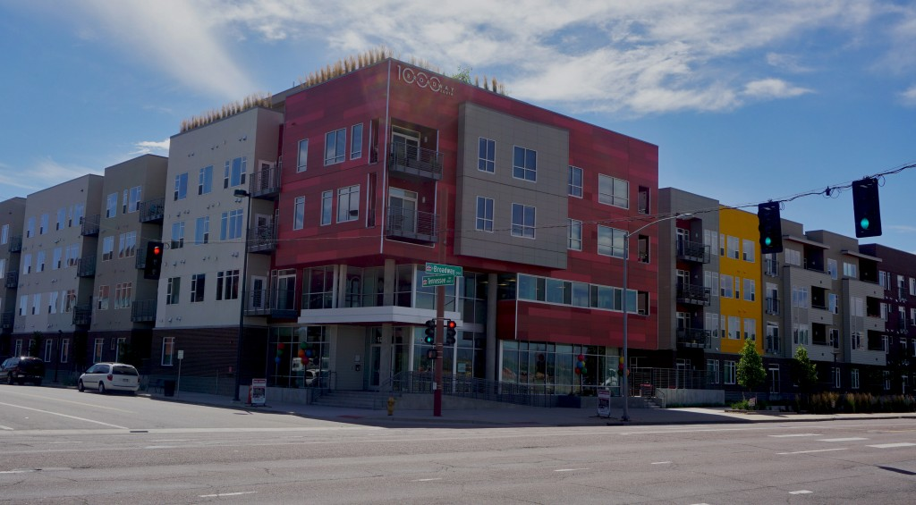 The apartment complex at 1000 S. Broadway was recently sold. Photo by Burl Rolett.