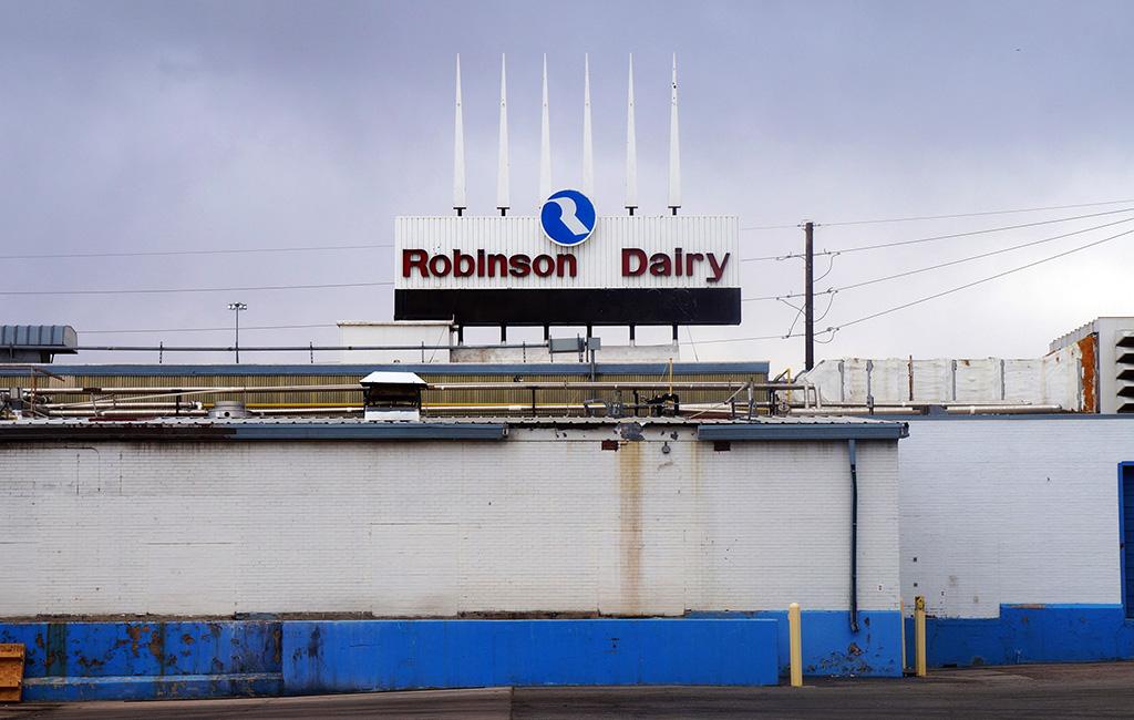 robinson dairy sign