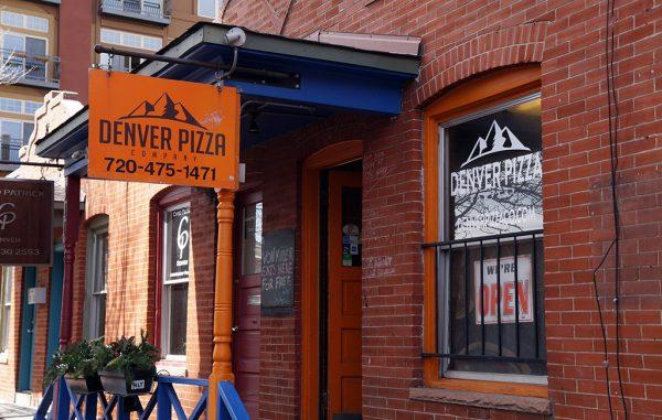 denver pizza storefront